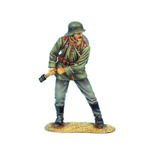 GW005 GERMAN STANDING WITH GRENADE - 62ND INFANTRY DIVISION