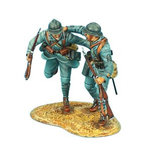 GW025 FRENCH INFANTRY SERGEANT PULLING PRIVATE FORWARD - 34TH INFANTRY DIVISION