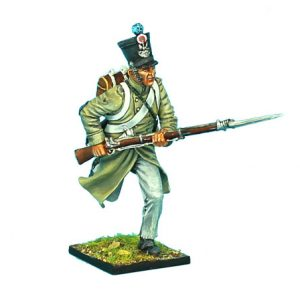 NAP0373 FRENCH 1ST LIGHT INFANTRY CHASSEUR CHARGING WITH GREATCOAT