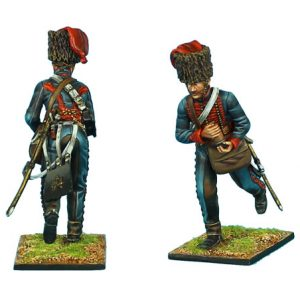 NAP0405 FRENCH GUARD HORSE ARTILLERY GUNNER WITH CARTRIDGE
