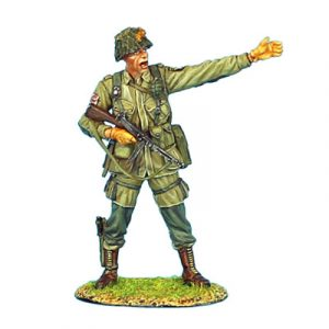 NOR001 US 101st AIRBOURNE CAPTAIN WITH THOMPSON SMG