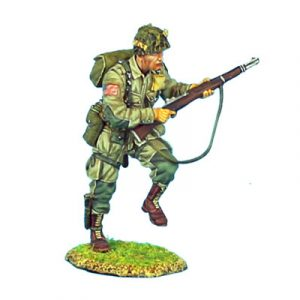 NOR004 US 101st AIRBOURNE PARATROOPER RUNNING WITH M1 GARAND