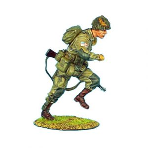 NOR008 US 101st AIRBOURNE PARATROOPER RUNNING WITH M1 GARAND