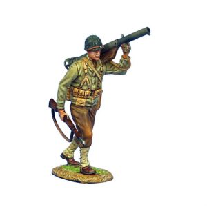 NOR043 US 4th ID PRIVATE WITH BAZOOKA AND M1 GARAND
