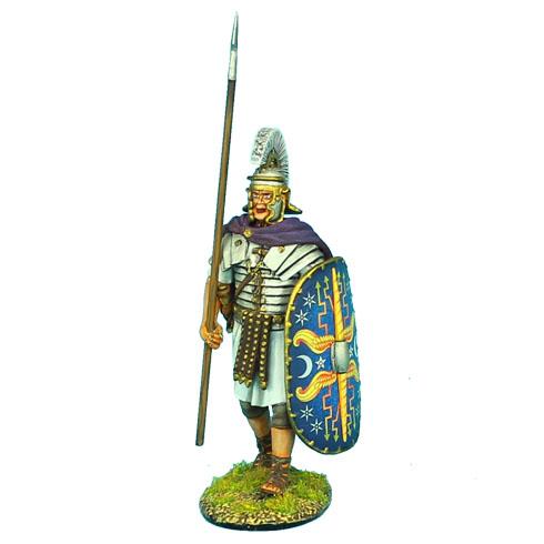 ROM046 ROMAN PRAETORIAN GUARD MARCHING WITH SPEAR