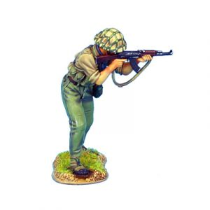 VN011 US NVA INFANTRY AIMING AK47