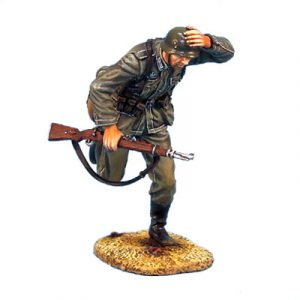 GERSTAL013 HEER INFANTRY RUNNING HOLDING ON HELMET