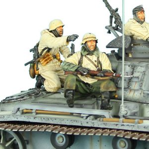 GERSTAL024 GERMAN WINTER TANK RIDERS SET 1