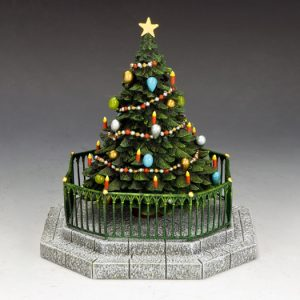 XM016-03 DICKENS VILLAGE CHRISTMAS TREE