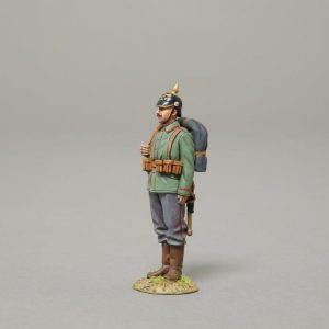 GW076 GERMAN ON PARADE WITH PICKELHAUBE AND BACKPACK
