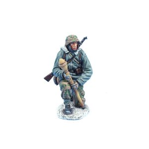 BB015 GERMAN WAFFEN SS PANZER GRENADIER with PANZERFAUST