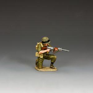 IDF014 KNEELING AND TAKING AIM