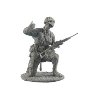 FL35062 US Airborne Sergeant with M1A1 Carbine