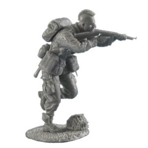 FL35065 US Airborne Paratrooper Running with Thompson SMG
