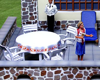 CS01080 LAH Berghof Furniture Set
