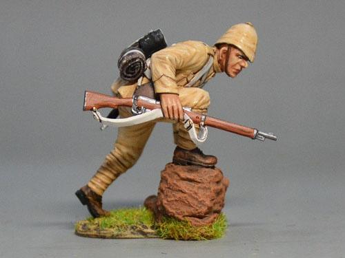 BOER6004 British Infantryman Climbing Rock