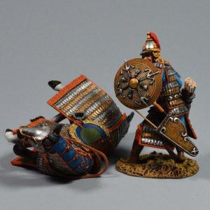 MGL6014 Fallen Horse with Mongol Cavalryman defending