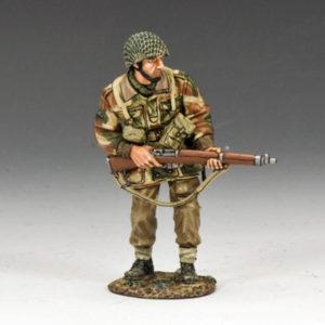 MG038(P) Advancing w/ Sten Gun