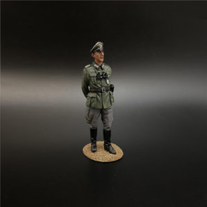 NO011 the Wehrmacht Colonel Hands Behind Back