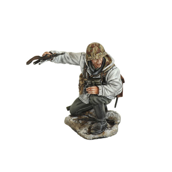 GERSTAL095 German Winter NCO Directing MG Fire