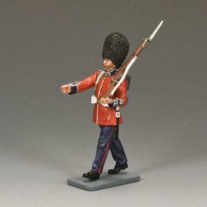 CE004 Marching Guardsman w/ Rifle