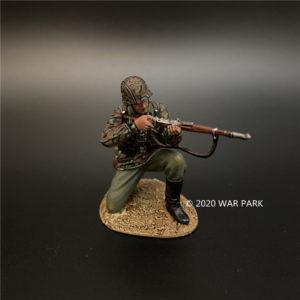 KU049 Das Reich SS Kneeling Firing 98K Rifle